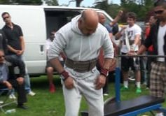 Shinda bench pressing in over 60 years category at Victoria Tournament 2012